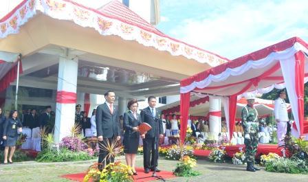 Teks proklamasi dibacakan Ketua DPRD